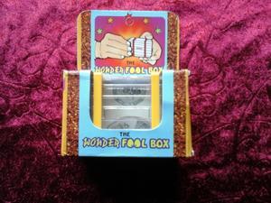 Wonder-Fool Box - BEGAGNAD