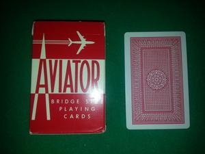 Aviato, röd